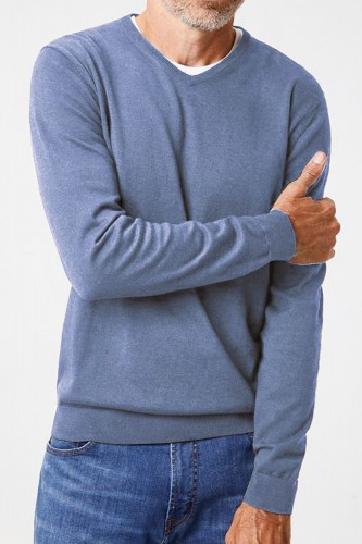 Pull bleu en laine col V