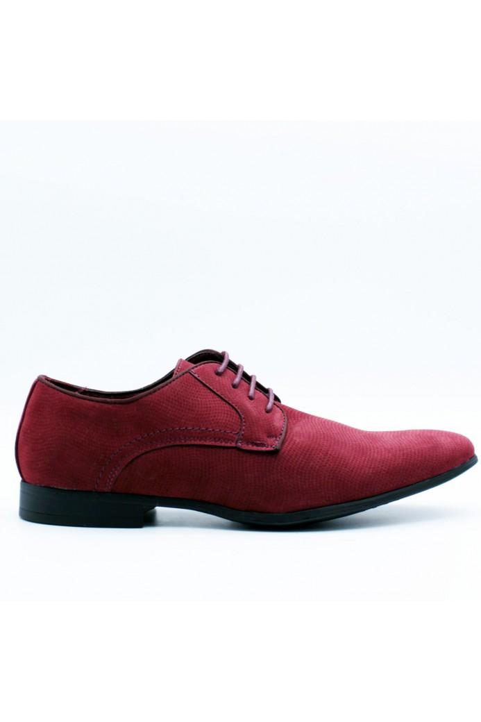 Chaussures rouges en suédine