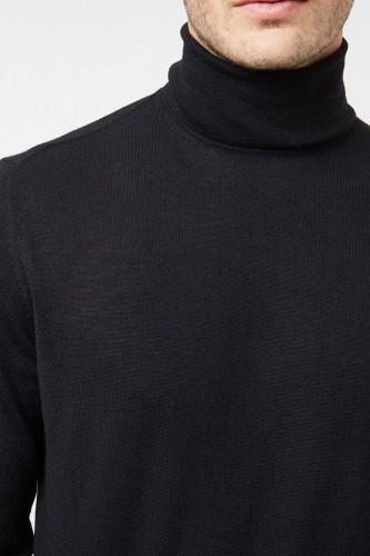 Pull col roulé en laine noir