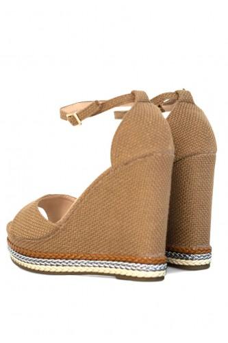 Sandales à talon compensée